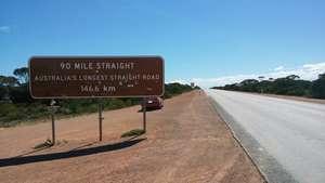 Australia's longest straight road - 90 Mile Straight