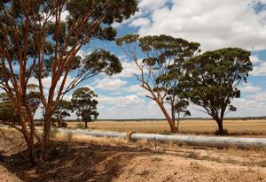 Golden Pipeline between Kalgoorlie and Perth
